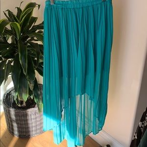 Lush high-low teal pleated skirt